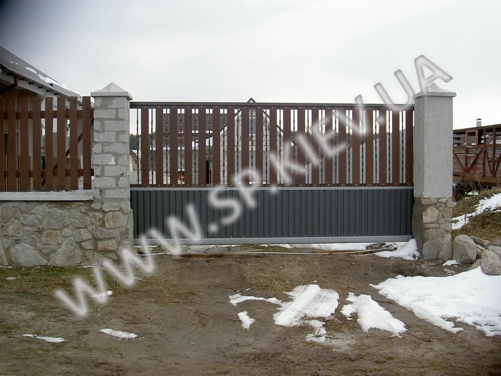 Профнастил+дерево откатные ворота